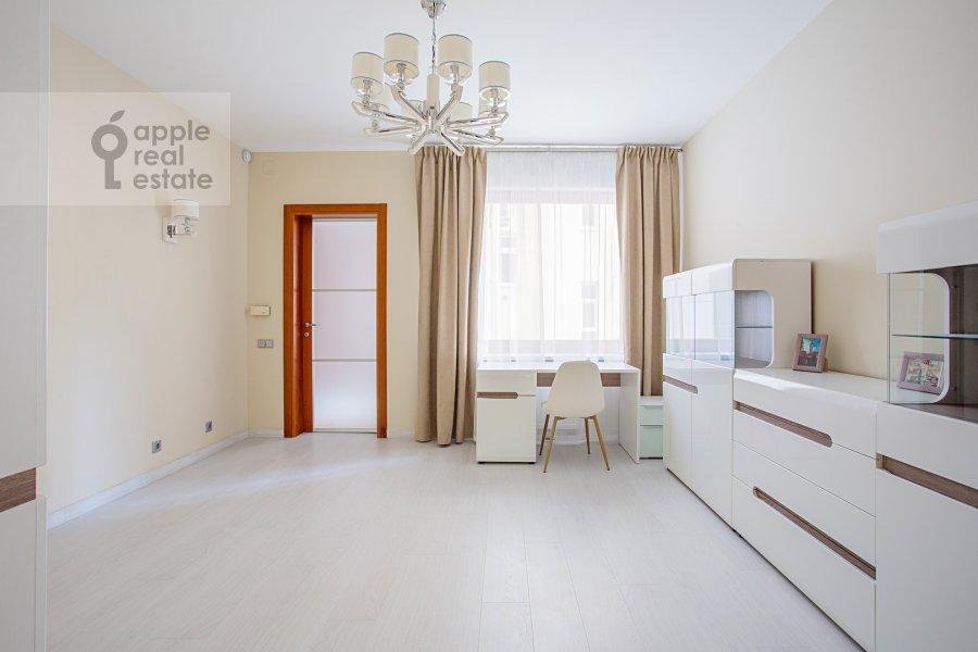 Детская комната / Кабинет в 4-комнатной квартире по адресу 4-я Тверская-Ямская улица 22