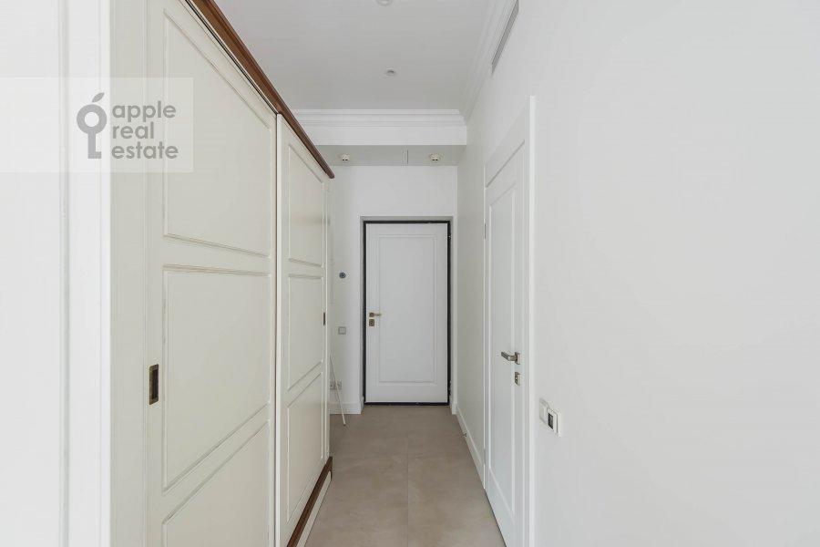 Коридор в 2-комнатной квартире по адресу Шлюзовая набережная 2А