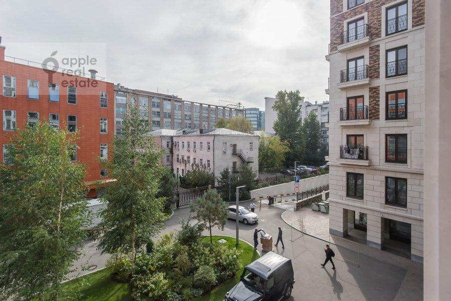 Вид из окна в 2-комнатной квартире по адресу Шлюзовая набережная 2А