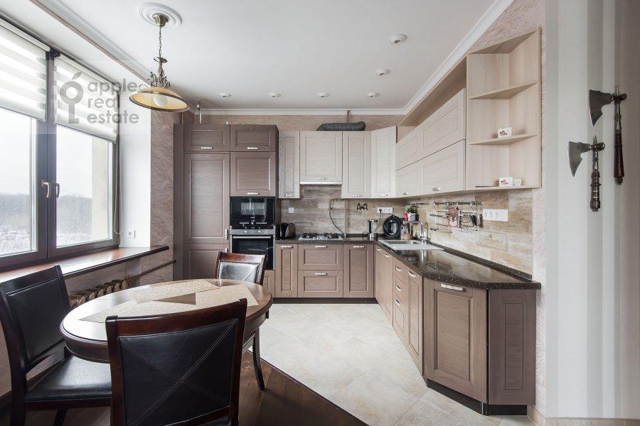 Кухня в 3-комнатной квартире по адресу Ленинский проспект 20