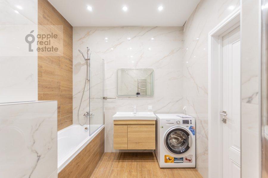 Bathroom of the 4-room apartment at 3-ya Khoroshevskaya ulitsa 25k4