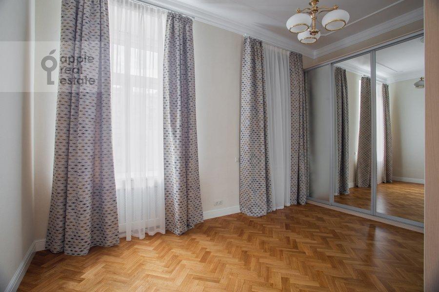 Детская комната / Кабинет в 5-комнатной квартире по адресу Сретенский бульвар 6/1к1