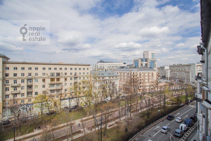 Вид из окна в 5-комнатной квартире по адресу Сретенский бульвар 6/1к1