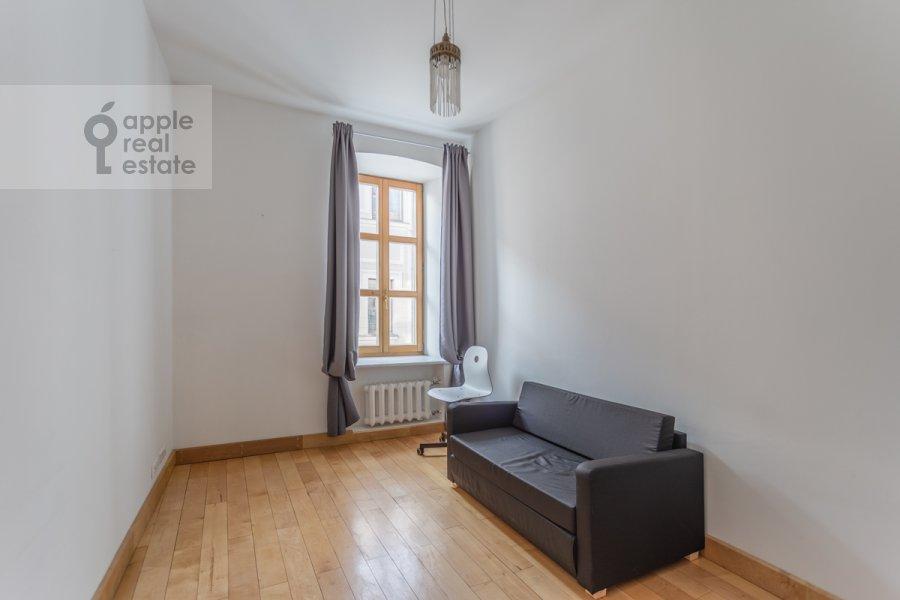 Детская комната / Кабинет в 5-комнатной квартире по адресу Жуковского 19С1