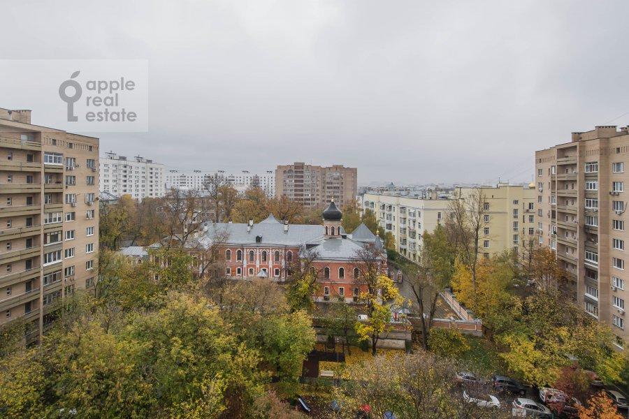 Вид из окна в 3-комнатной квартире по адресу Олимпийский проспект 10к2