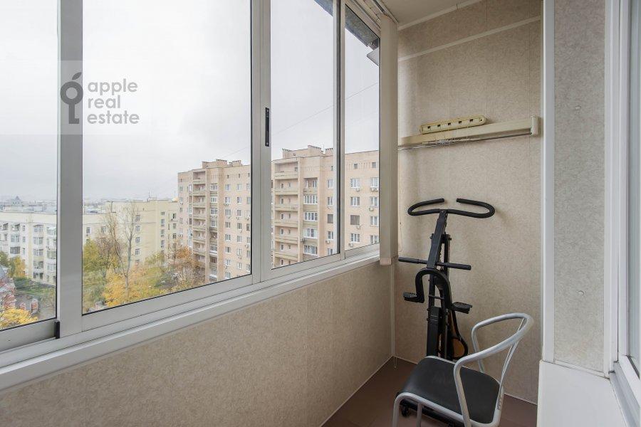 Балкон / Терраса / Лоджия в 3-комнатной квартире по адресу Олимпийский проспект 10к2