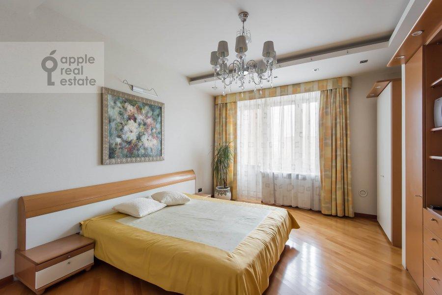 Спальня в 3-комнатной квартире по адресу Олимпийский проспект 10к2