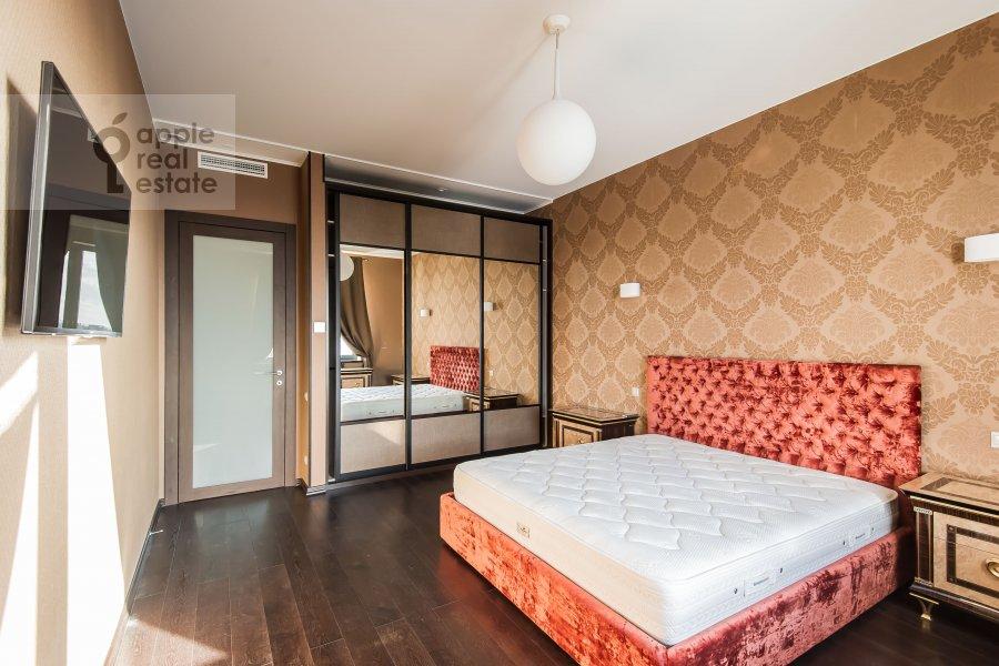 Bedroom of the 4-room apartment at Kazarmennyy pereulok 3