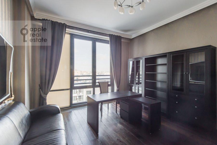 Children's room / Cabinet of the 4-room apartment at Kazarmennyy pereulok 3