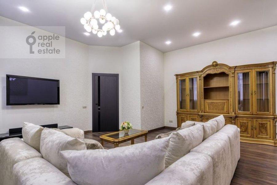 Living room of the 4-room apartment at Nikitskiy bul'var 12