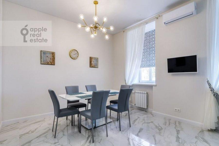 Kitchen of the 4-room apartment at Nikitskiy bul'var 12