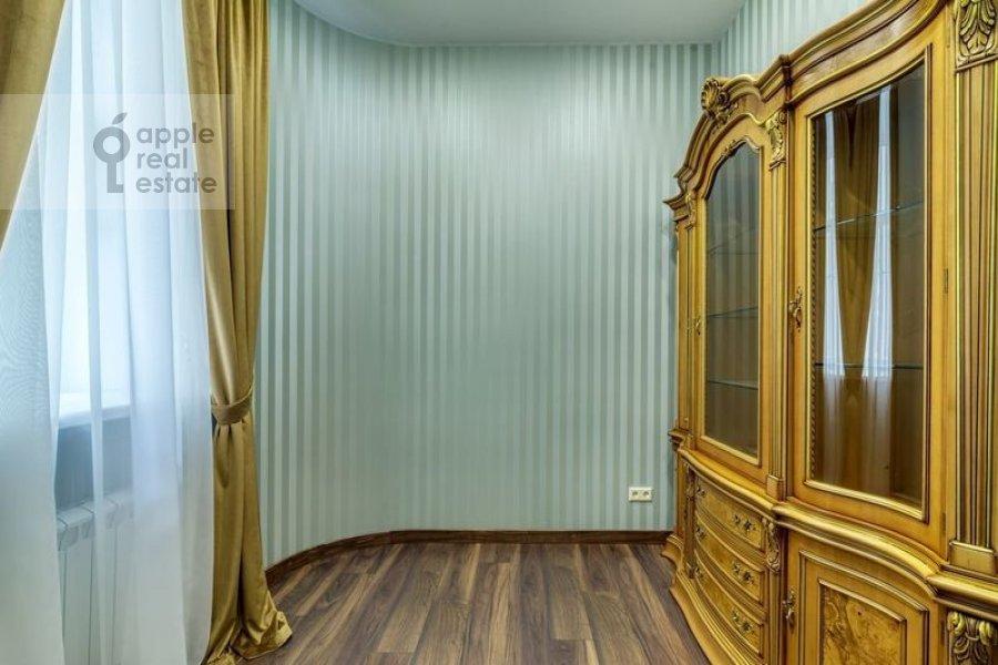Children's room / Cabinet of the 4-room apartment at Nikitskiy bul'var 12