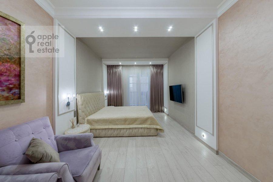 Bedroom of the 4-room apartment at Mytnaya ulitsa 7s1