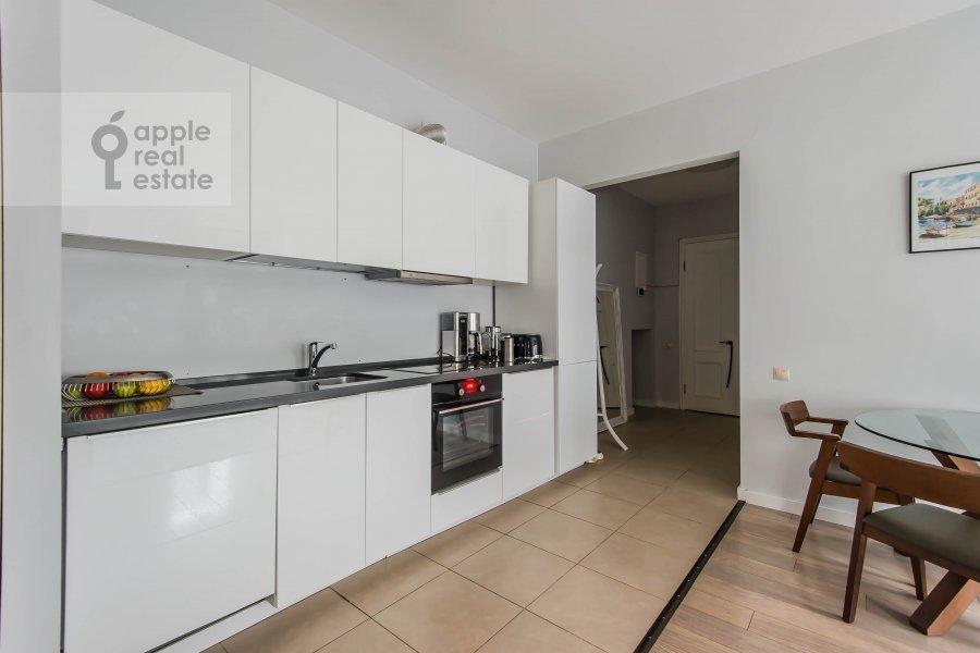 Кухня в 3-комнатной квартире по адресу Спиридоньевский переулок 5С2