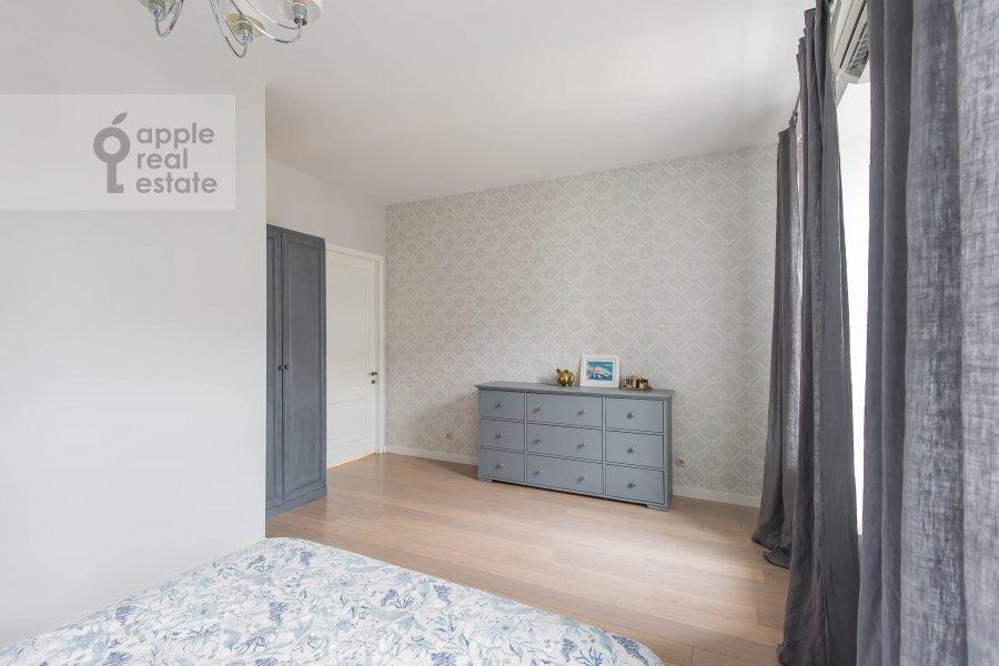 Спальня в 3-комнатной квартире по адресу Спиридоньевский переулок 5С2