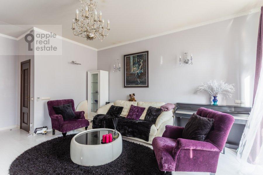 Living room of the 3-room apartment at ulitsa Presnenskiy Val 16S3