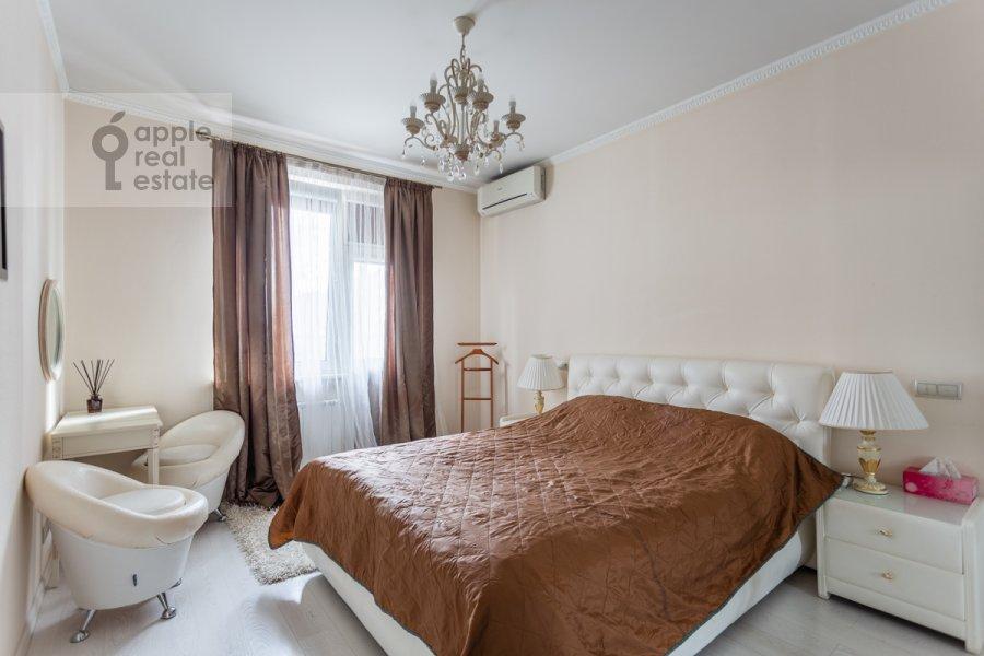 Bedroom of the 3-room apartment at ulitsa Presnenskiy Val 16S3