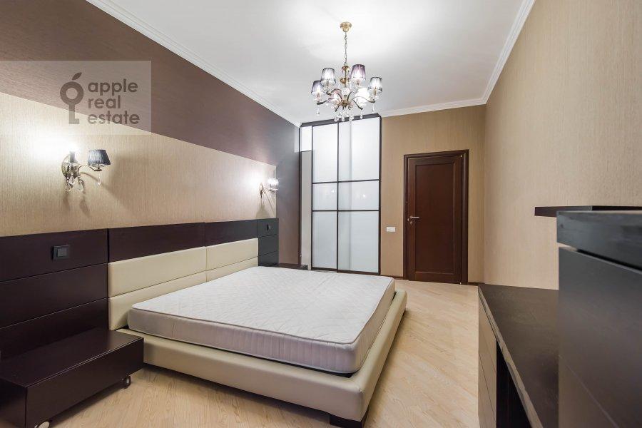 Bedroom of the 2-room apartment at Leninskiy prospekt 106k1