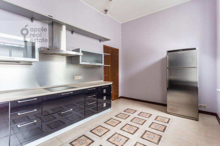 Kitchen of the 5-room apartment at Malaya Molchanovka 8S2