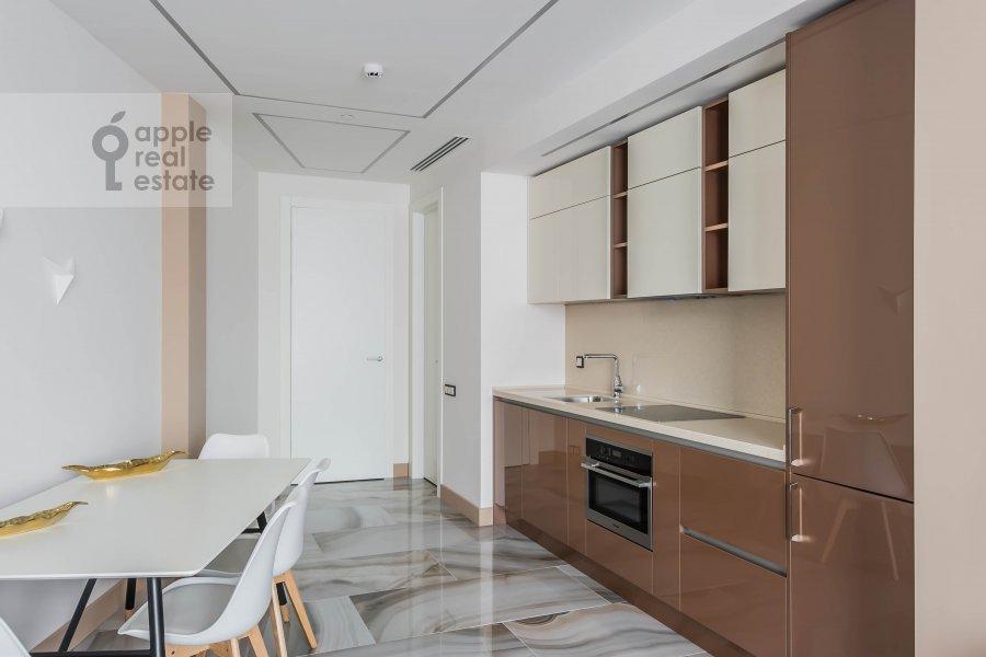 Кухня в 2-комнатной квартире по адресу Новый Арбат 32