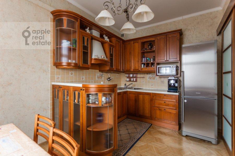 Kitchen of the 4-room apartment at 1-y pereulok Truzhenikov 12 s 3