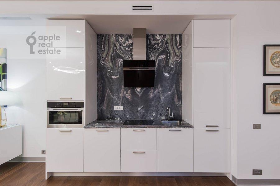 Kitchen of the 2-room apartment at Novyy Arbat 32