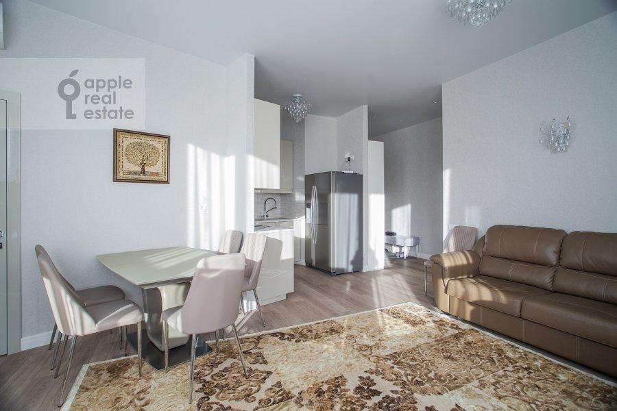 Living room of the 4-room apartment at Shelepikhinskaya naberezhnaya 34k2