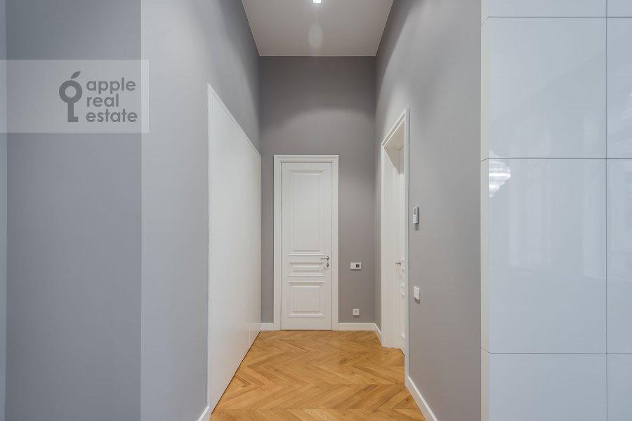 Corridor of the 2-room apartment at Nikol'skaya ul., 10/2S2b