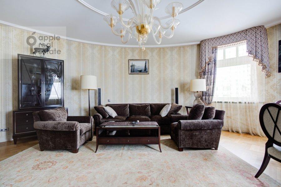 Living room of the 3-room apartment at Pogorel'skiy pereulok 6