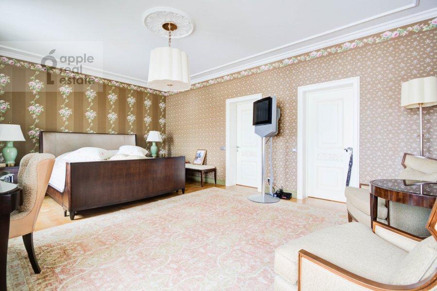 Bedroom of the 3-room apartment at Pogorel'skiy pereulok 6