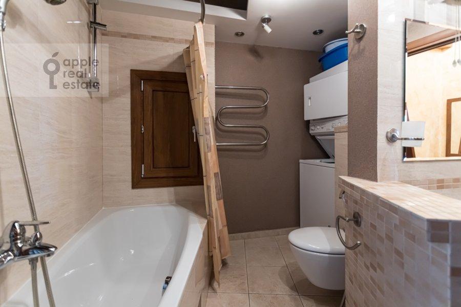 Bathroom of the 2-room apartment at Akademika Anokhina 2k2