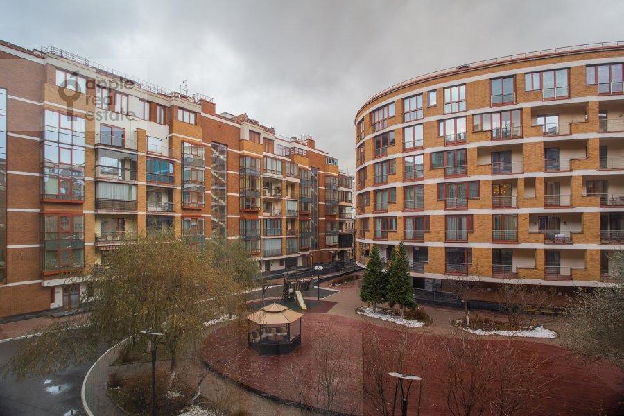 View from the window of the 3-room apartment at Ozerkovskaya naberezhnaya 26