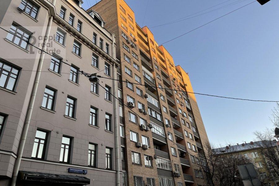 Фото дома 3-комнатной квартиры по адресу Воротниковский переулок 2/11