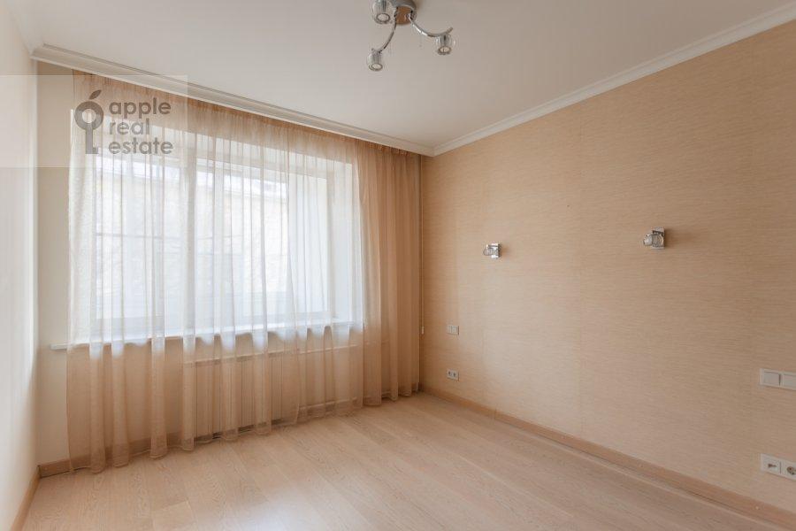 Детская комната / Кабинет в 3-комнатной квартире по адресу Воротниковский переулок 2/11