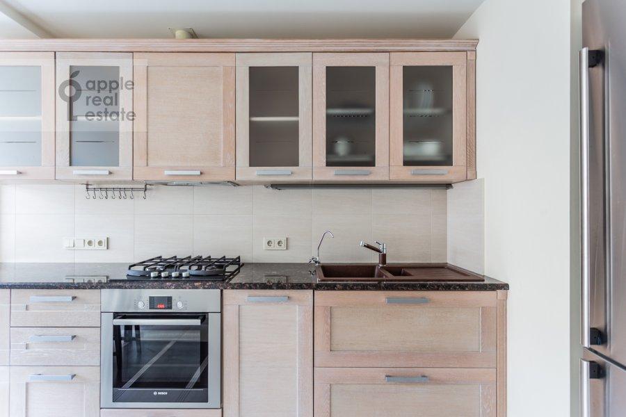 Кухня в 3-комнатной квартире по адресу Воротниковский переулок 2/11