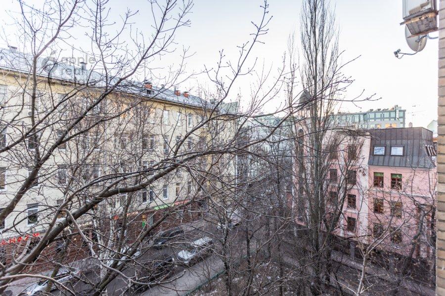 Вид из окна в 3-комнатной квартире по адресу Воротниковский переулок 2/11