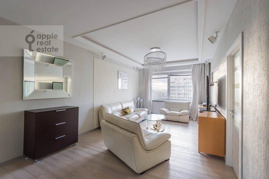 Гостиная в 4-комнатной квартире по адресу Вересаева 6