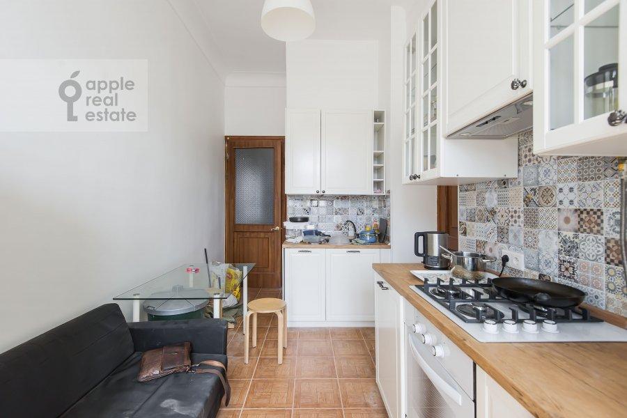 Кухня в 4-комнатной квартире по адресу Большая Ордынка 13/9с1