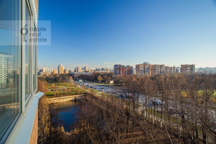 Вид из окна в 4-комнатной квартире по адресу Можайское ш 6