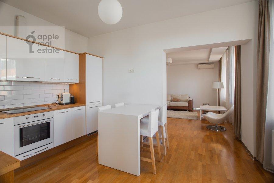 Кухня в 4-комнатной квартире по адресу Можайское ш 6