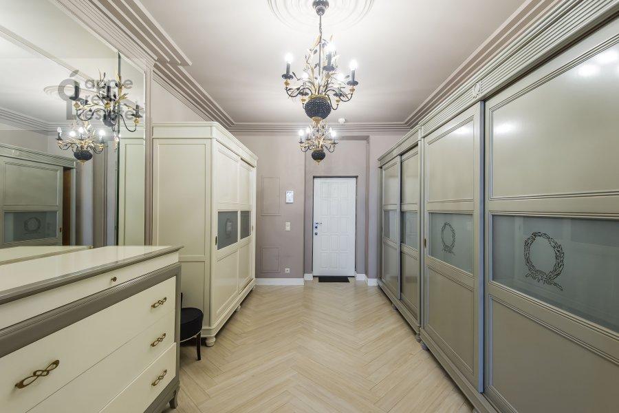 Коридор в 4-комнатной квартире по адресу Расплетина 21