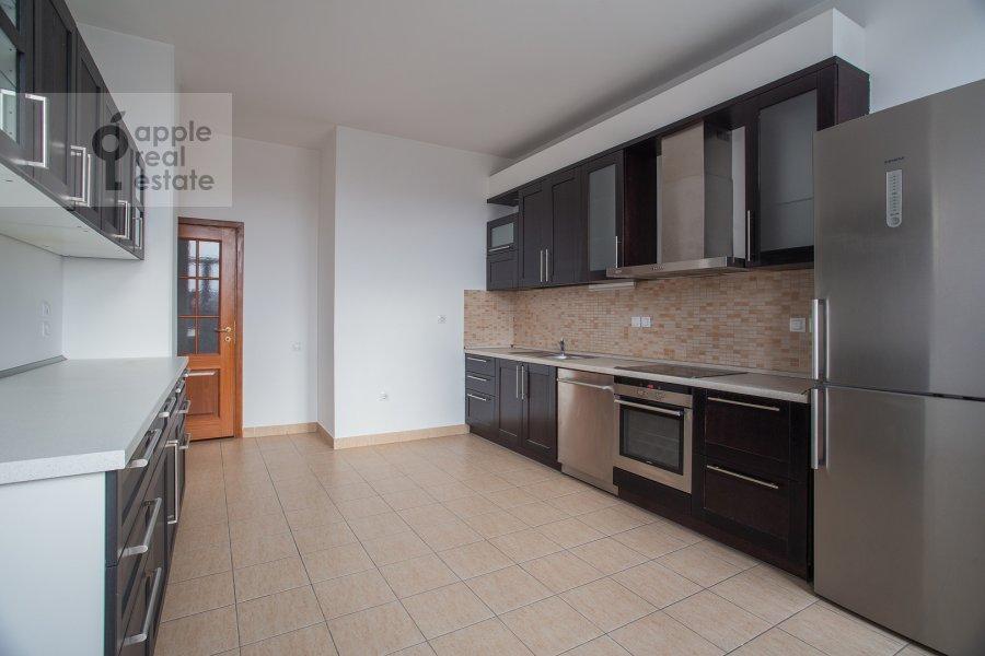 Kitchen of the 4-room apartment at Tsvetnoy bul'var 16/1
