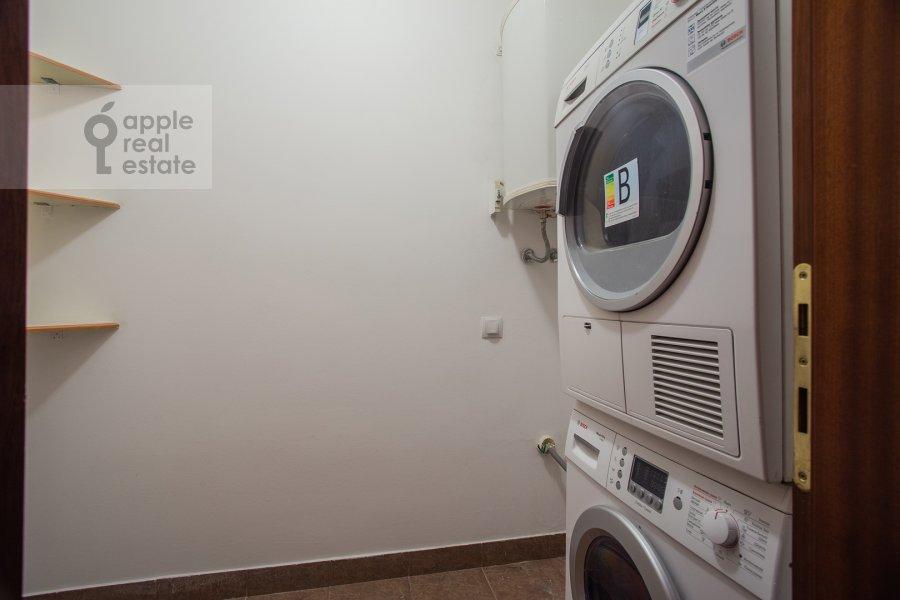 Bathroom of the 4-room apartment at Tsvetnoy bul'var 16/1