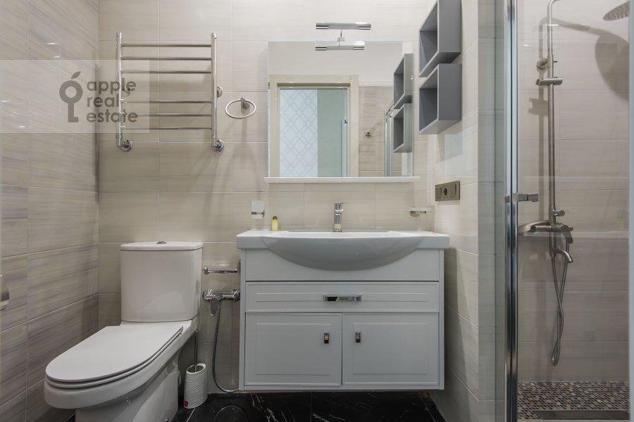 Bathroom of the 3-room apartment at Leninskiy prospekt 38Ak3