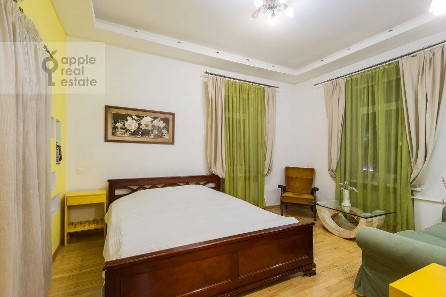 Спальня в 4-комнатной квартире по адресу 1-я Брестская ул. 36