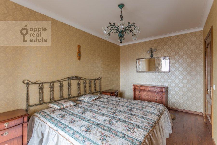 Спальня в 4-комнатной квартире по адресу Оршанская улица 9
