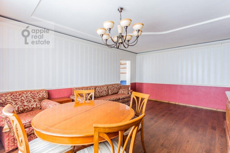 Гостиная в 4-комнатной квартире по адресу Оршанская улица 9