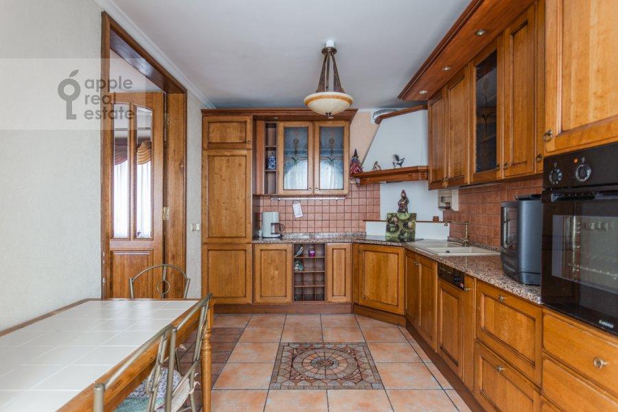 Кухня в 4-комнатной квартире по адресу Оршанская улица 9