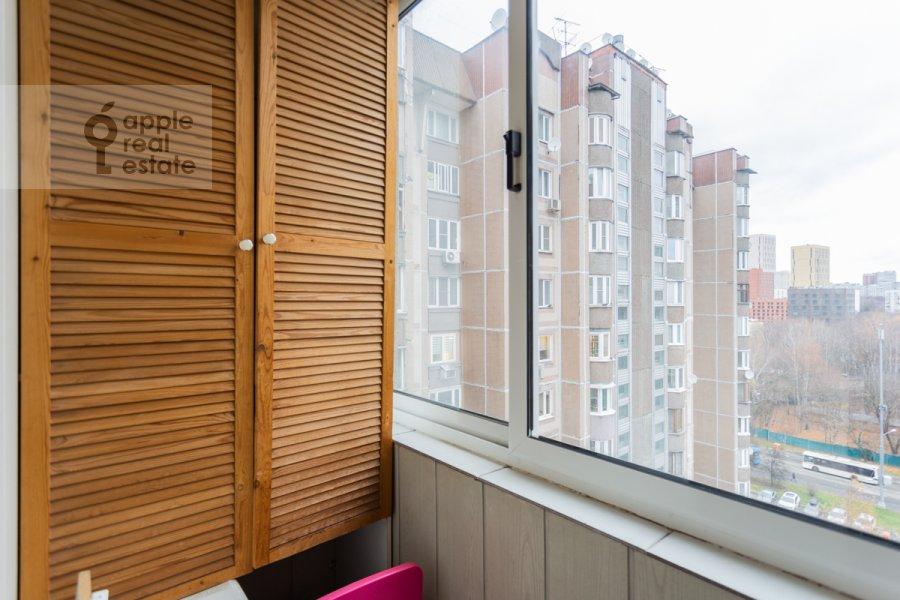 Балкон / Терраса / Лоджия в 4-комнатной квартире по адресу Оршанская улица 9