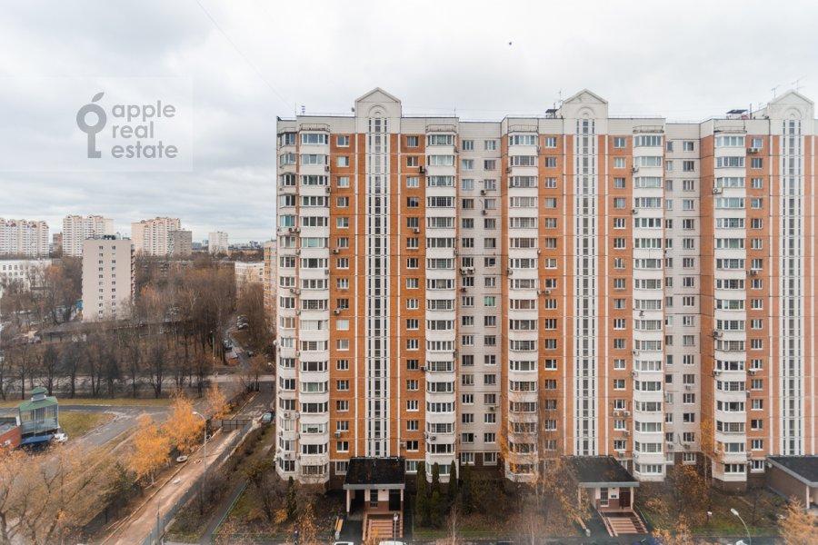 Вид из окна в 4-комнатной квартире по адресу Оршанская улица 9